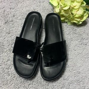 DONALD J PLINER Black Patent Leather Sandals